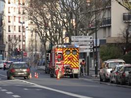 camion-de-pompiers-devant-le-franprix